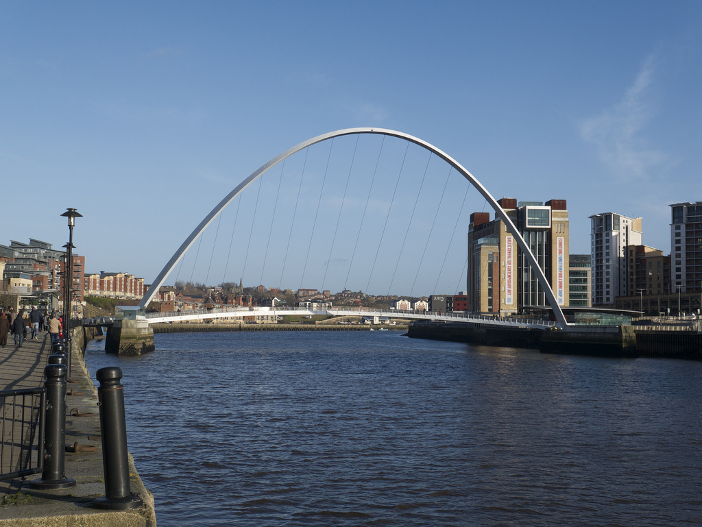Gateshead Millenium Bridge photo