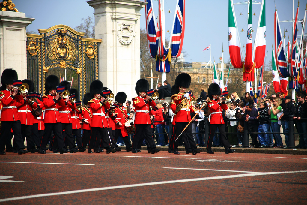 Changing of Guards LOndon photo
