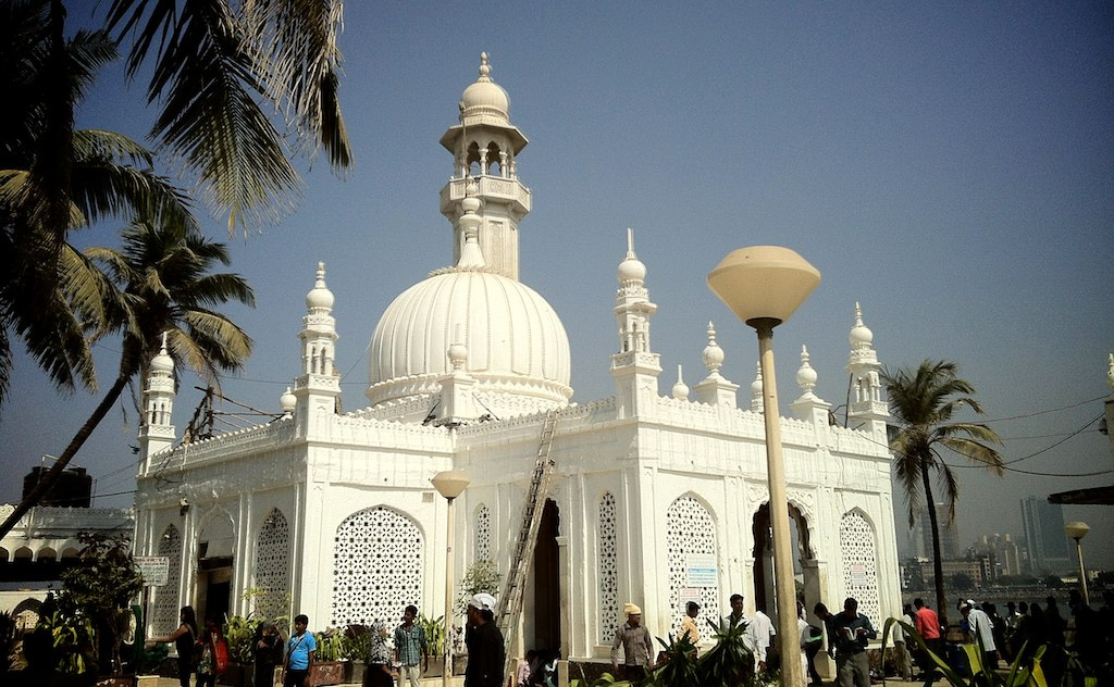 Haji Ali Dargah Mosque photo