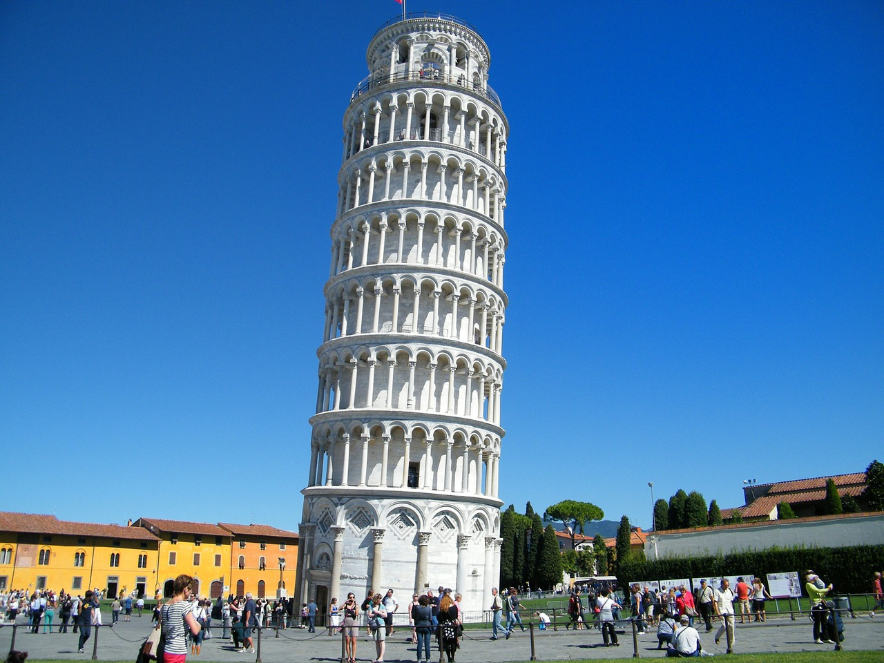 Leaning Tower of Pisa- one of the top tourist attractions in Italy