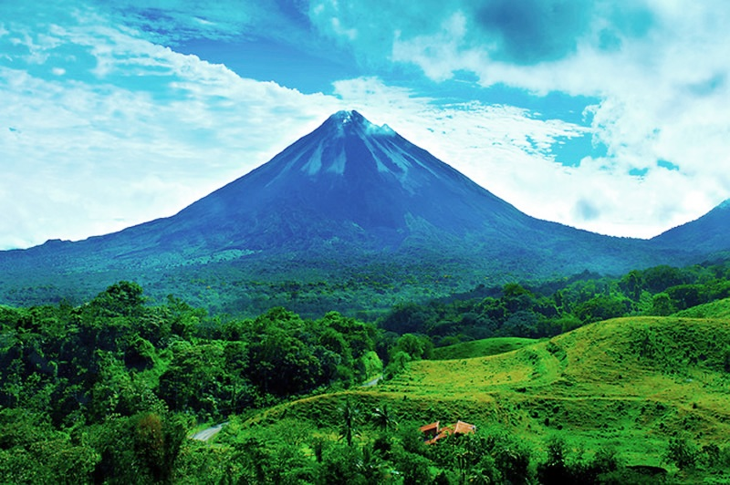 Arenal Volcano, one of the best places to visit in Costa Rica