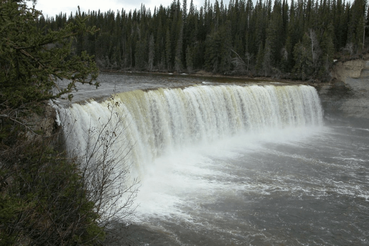 lady-evelyn-falls-northwest-territories